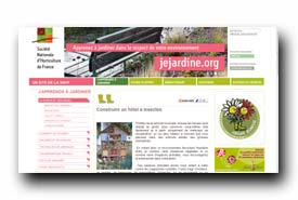 screenshot de jejardine.org/japprends-a-jardiner/la-plante-et-son-milieu/315-construire-un-hotel-a-insectes.html